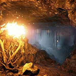 Etwas ist Brennen in der Höhle